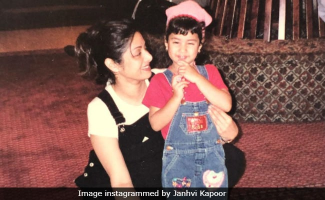 On Mother's Day, Janhvi Shared A Throwback Pic With Sridevi (We're Not Crying, You're Crying)