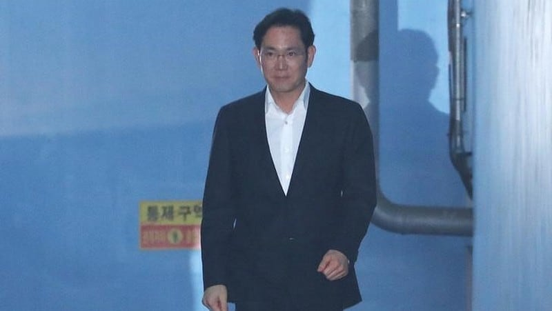 Samsung Heir Jay Y. Lee's Release Lifts Hopes for New Jobs, Investment