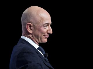 Amazon CEO Jeff Bezos Reclaims Title of World's Richest After Elon Musk Slips