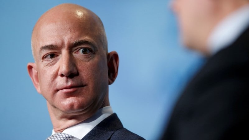 Bezos Case Exposes Billionaires' Vulnerability to Hackers