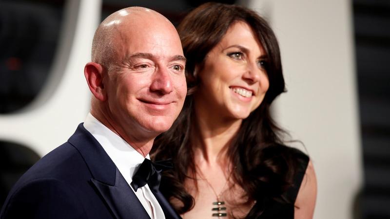 Jeff Bezos Keeps Amazon Voting Power in Divorce Settlement