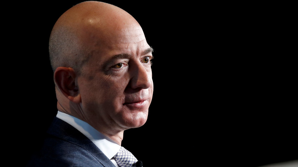 Jeff Bezos Being Jealous of Elon Musk Said to Be Motive Behind Amazon HQ2
