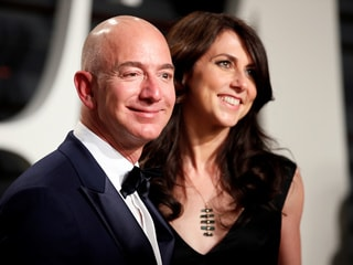 Jeff Bezos Keeps Amazon Voting Power in Divorce Settlement