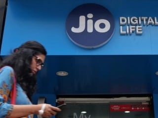 Jio User Base Touches 136.8 Million, Subscribers Consume 9.62GB Data Per Month