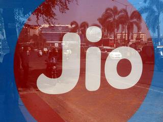 অবশেষে আসরে নামল Jio, শীঘ্রই কল ও ডেটার দাম বাড়াবে মুকেশ আম্বানির কোম্পানি