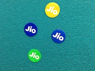 Reliance Jio Goes Paid, Here Are the Plans on Offer