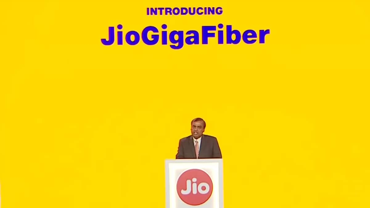 Jio GigaFiber to Offer Broadband, Landline, TV Combo at Rs. 600 a Month: Report