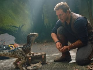 Jurassic World: Fallen Kingdom Goes Dark With Dinosaurs