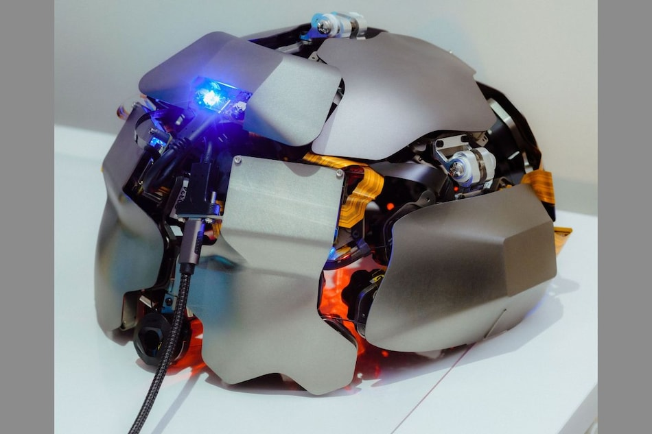 Kernel Helmet That Is Claimed to Read Human Mind Starts Shipping for $50,000 in US