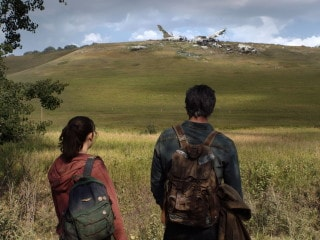 The Last of Us First Look Stars HBO Series Leads Pedro Pascal and Bella Ramsey