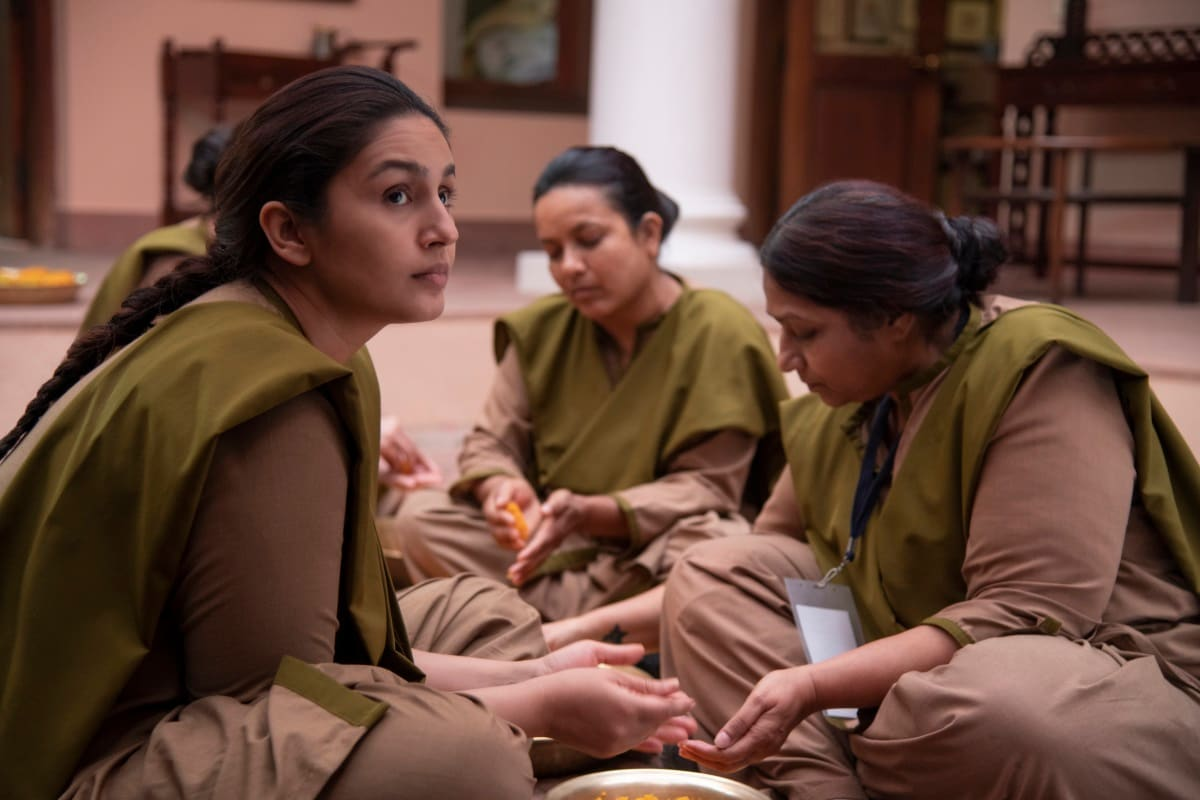 Leila Review: Netflix's Indian Series Does What Dystopian Fiction