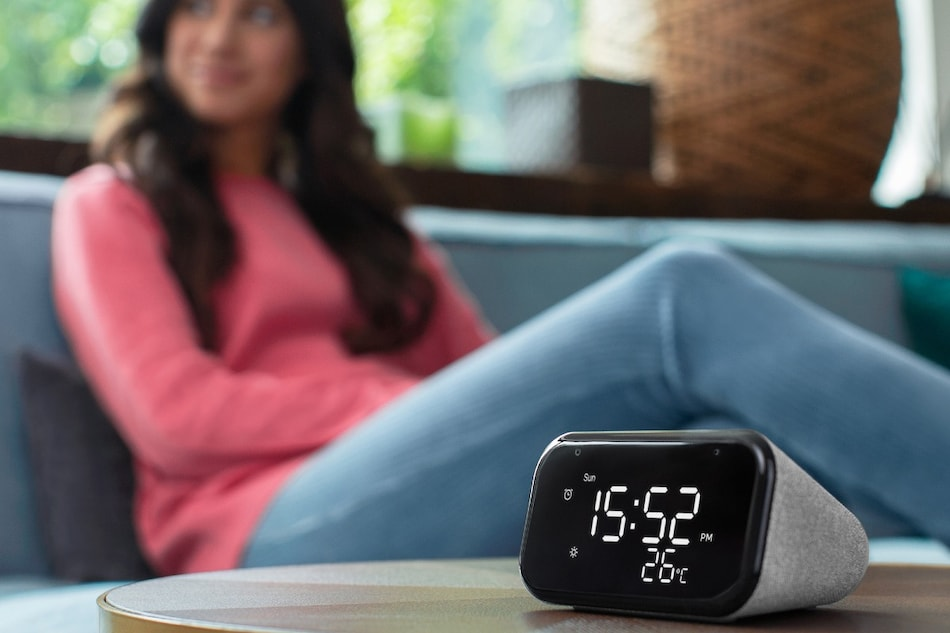 Lenovo Smart Clock Essential With Google Assistant Support Launched in India, Priced at Rs. 4,499