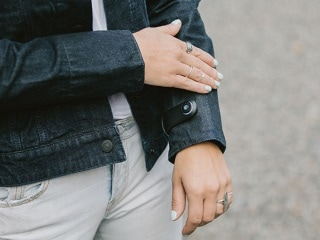 Google's Project Jacquard Levi's Commuter Trucker Smart Jackets Go on Sale Wednesday
