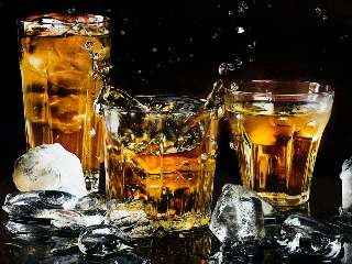How to Order Alcohol Delivery Online in Delhi Through Apps, Online Portals