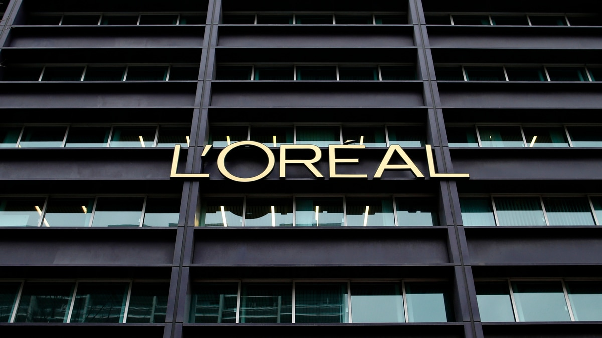 L'Oreal Firm to Provide Virtual Make-Up Tech for Amazon