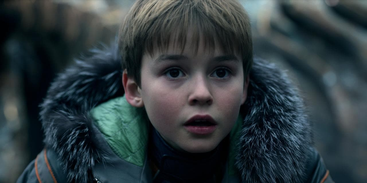 The full trailer for Netflix's 'Lost in Space' reboot looks astounding