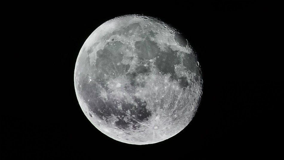 Future Astronauts Could Use Their Own Urine to Build Bases on Moon's Surface: Study