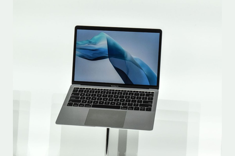 Apple Said to Plan Thinner MacBook Air With MagSafe Charger in Mac Lineup Reboot