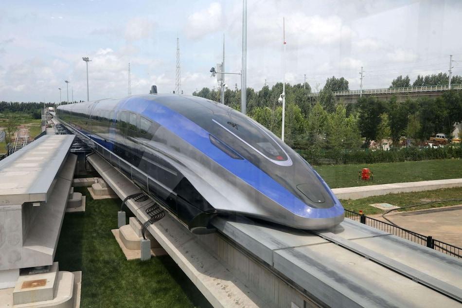 चीन ने बनाई 600 किमी प्रतिघंटे की रफ्तार से ट्रैक पर 'उड़ने' वाली ट्रेन!