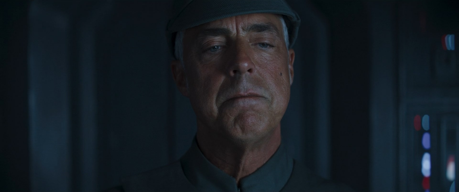 mandalorian season 2 episode 3 titus welliver mandalorian season 2 episode 3