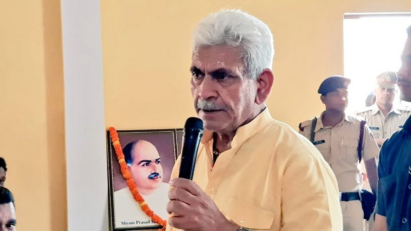 In-Flight Connectivity Likely to Start Within a Year: Manoj Sinha