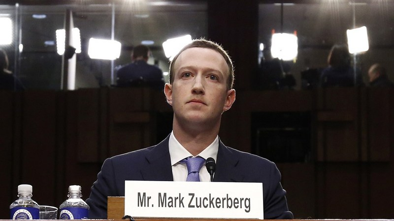 Zuckerberg Loses More Than $15 Billion in Record Facebook Fall