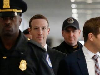 Zuckerberg Sees 'Positive' Force of Facebook Despite Firestorm
