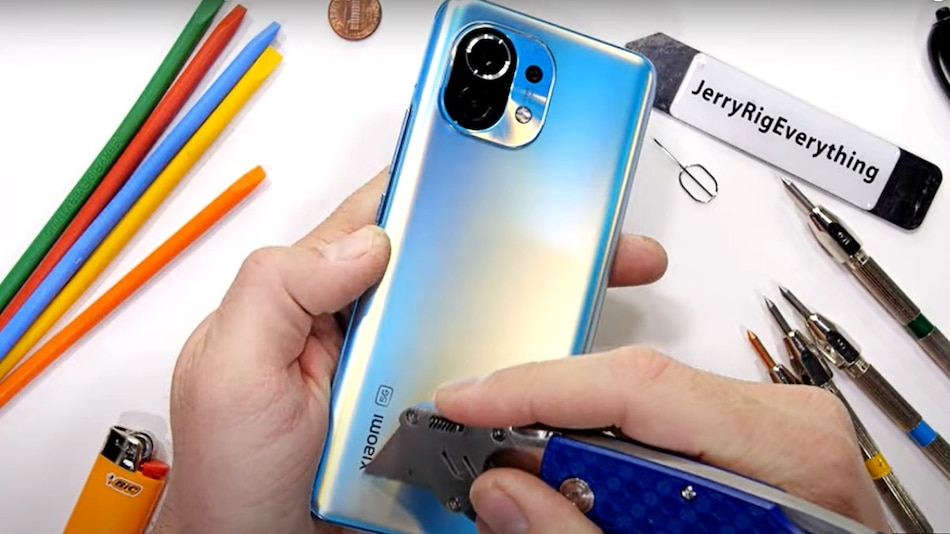 Mi 11 Performs Well in JerryRigEverything's Durability Test