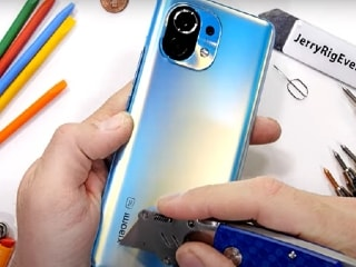 Mi 11 Survives JerryRigEverything's Durability Test