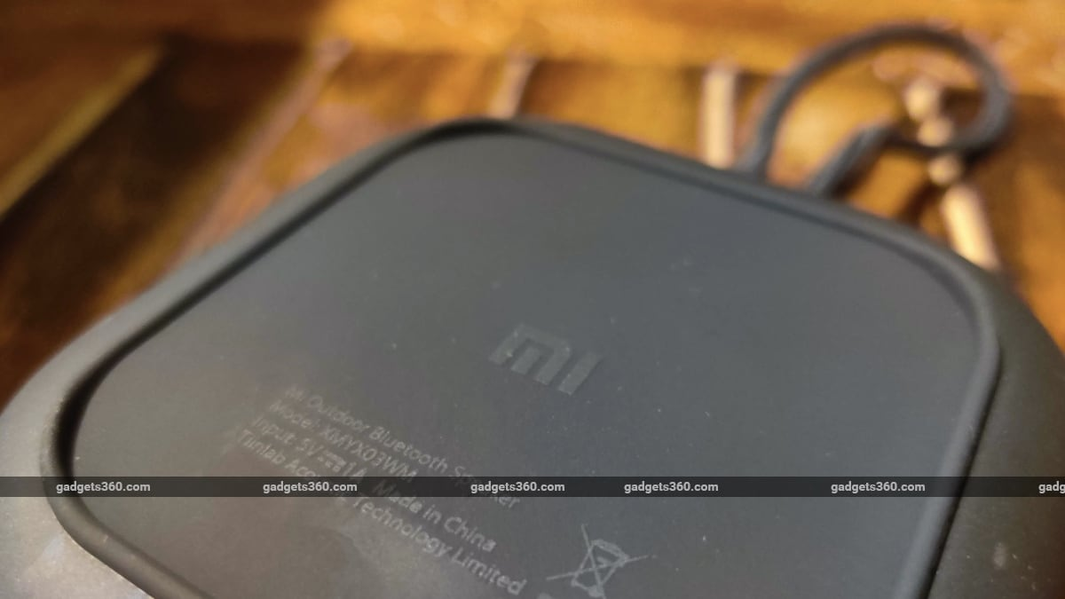 mi outdoor bluetooth speaker review bottom Xiaomi  Mi Outdoor Bluetooth Speaker