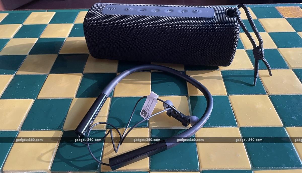 Mi Neckband Bluetooth Earphones Pro and Mi Portable Bluetooth Speaker (16W) First Impressions: Feature-Fi... - Gadgets 360