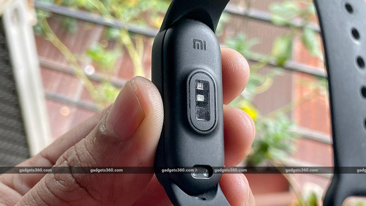 mi smart band 6 underside sensors gadgets360 Mi Smart Band 6 Review