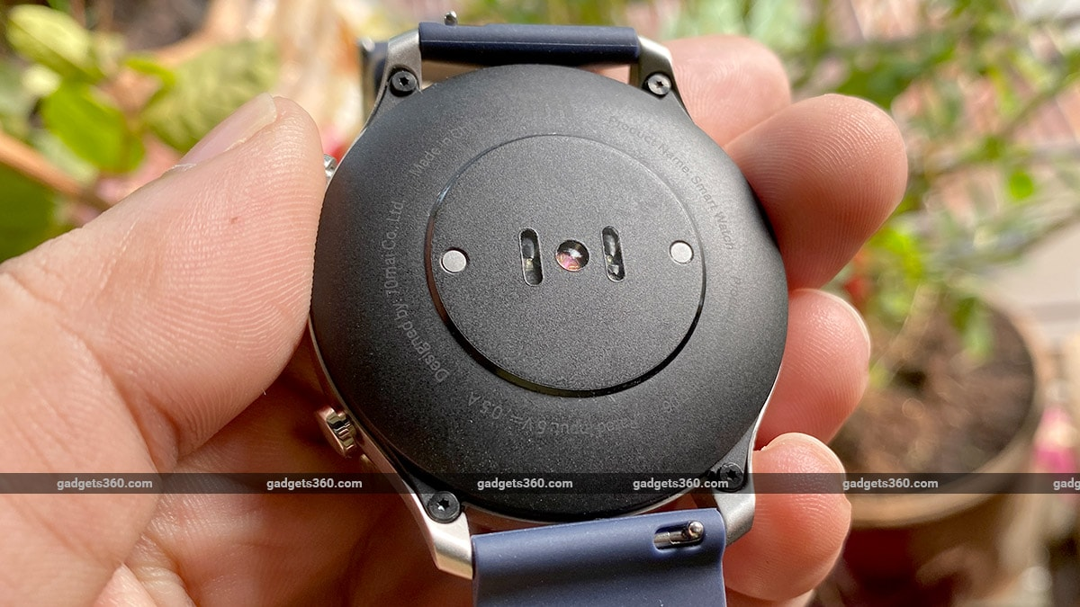 mi watch revolve heartrate sensor gadgets360 Mi Watch Revolve Review