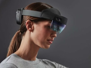 Microsoft Is Optimistic About Launching an Affordable HoloLens for End Users