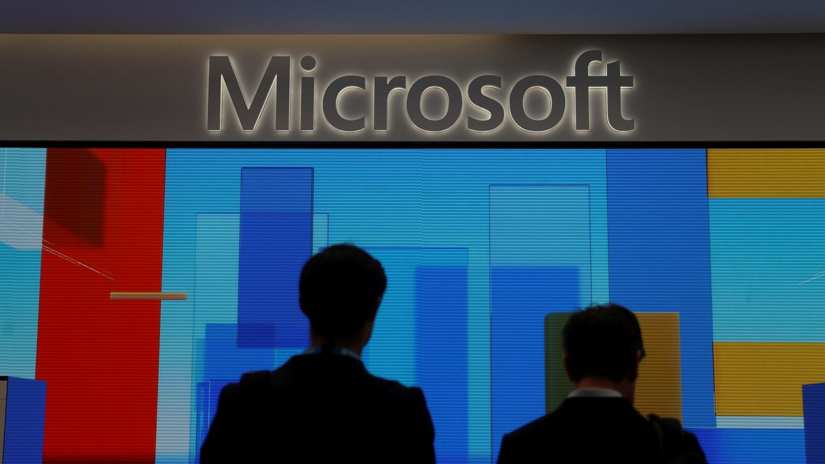 Microsoft Admits Contractors Listen to Skype, Cortana Chats