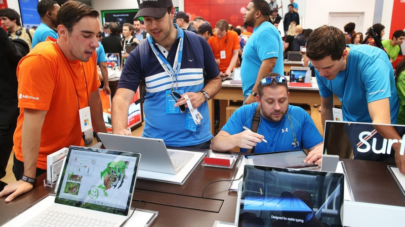 Microsoft Said to Plan Low-Cost Surface Tablet Line to Rival Apple's iPad