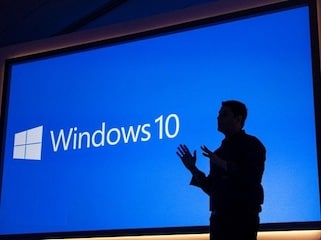 Windows 10 Preview Build 15002 Brings Deferred Updates, Night Mode, and Much More