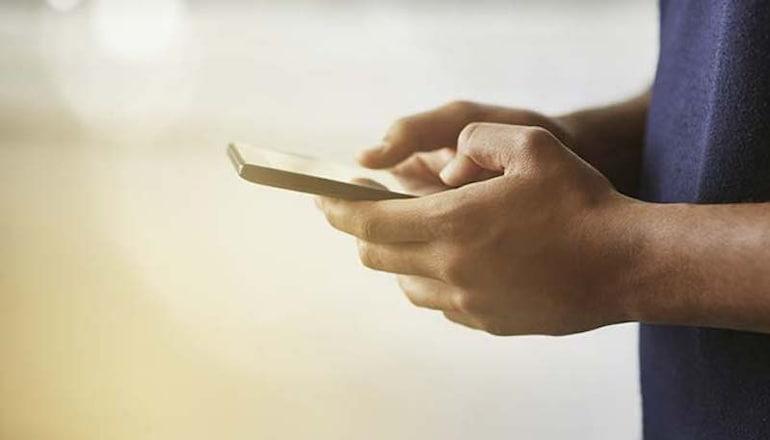 ज्यादा डेटा खा जाता है स्मार्टफोन? ऐसे करें खपत कम