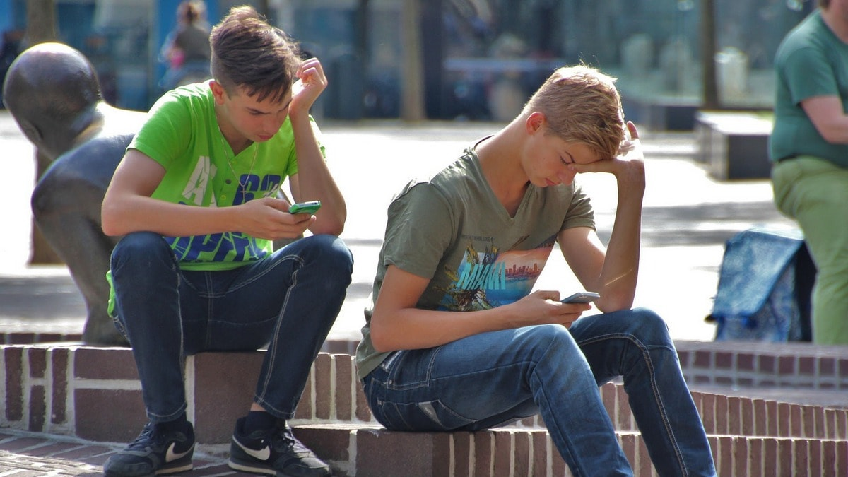 Excessive Internet Use Reduces Motivation to Study in Students, Researchers Say