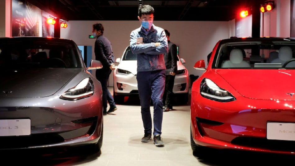 China Developing Machines That Can Track Data Sent Abroad by Cars