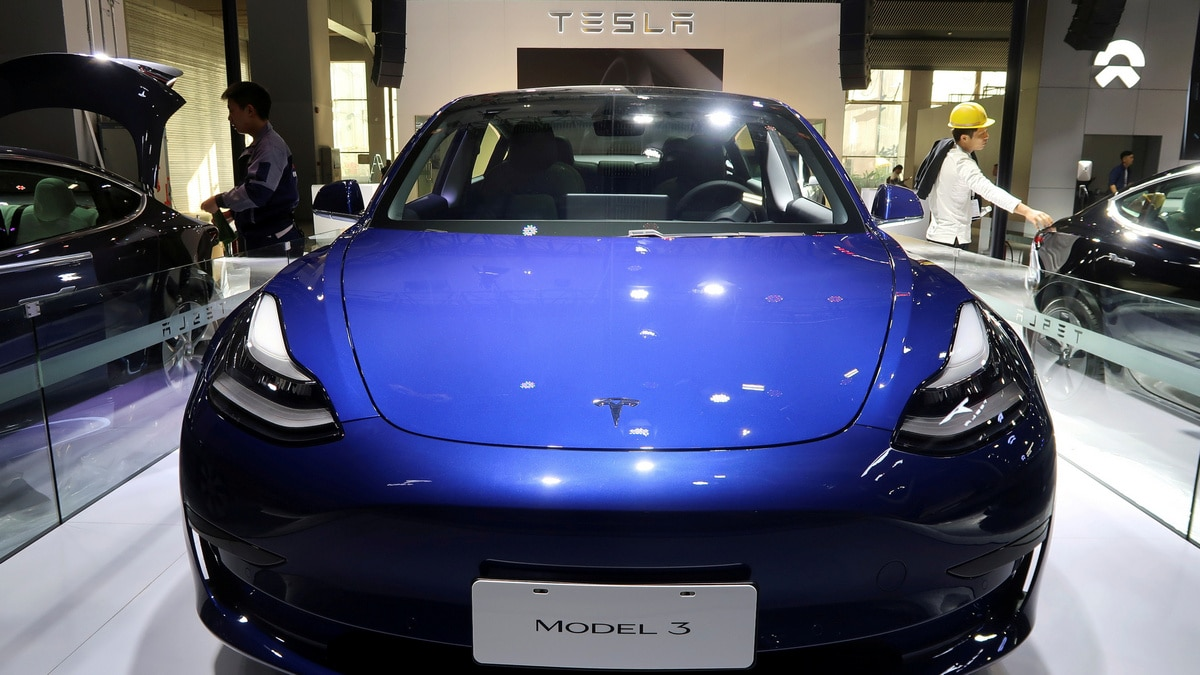 Tesla Says Will Start Delivering China-Made Model 3s to Public Next Week - NDTV thumbnail