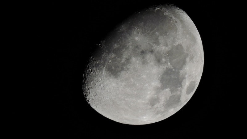 Russia Seeks New Cosmonauts for Manned Mission to Moon in 2031