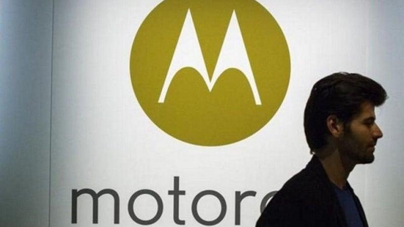 मोटो एक्स5 में मिलेगी आईफोन X की झलक, मोटो के अन्य हैंडसेट की तस्वीरें लीक