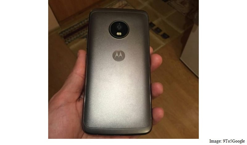 Leaked Moto G5 Plus Poses For The Camera