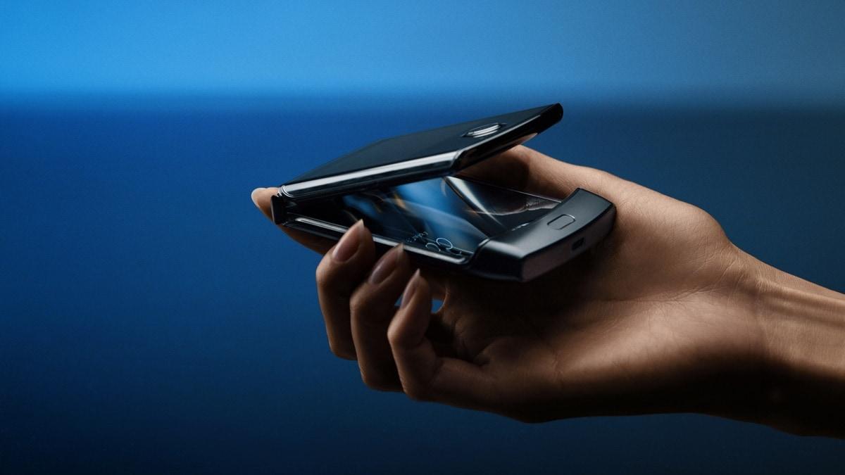 Motorola Razr (2019) फोल्डेबल फोन हुआ लॉन्च, जानें स्पेसिफिकेशन