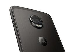 Moto Z2 Force लॉन्च, दो रियर कैमरे वाले इस फोन में है शैटरप्रूफ डिस्प्ले