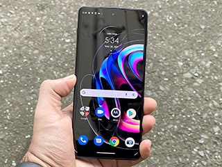 Motorola Edge 20 Pro Review: Should OnePlus be Worried?