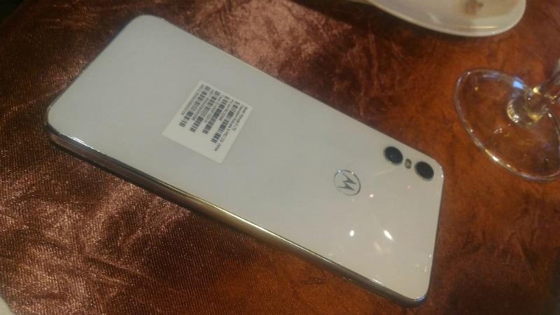 Motorola One की तस्वीरें लीक, डिज़ाइन को लेकर हुआ यह खुलासा