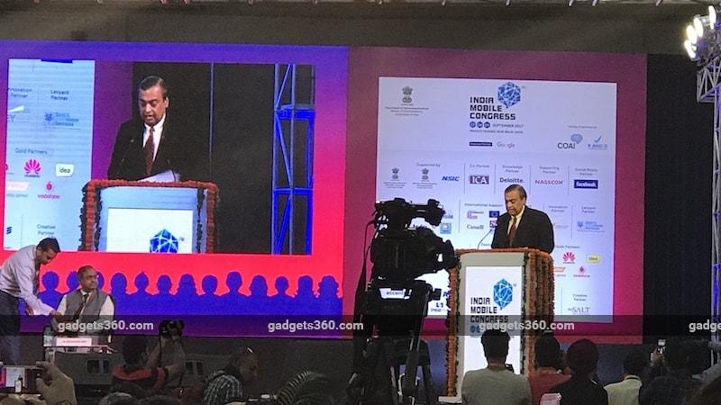 Reliance Chairman Mukesh Ambani Says India Doesn't Need to 'Import Data'