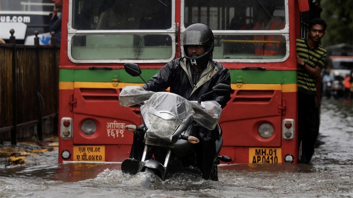 Mumbai Rains: How to Report Road Closure on Google Maps